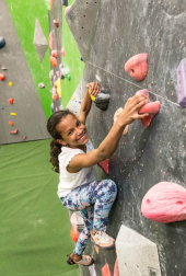 Happy bouldering girl closeup (c) Andy Day